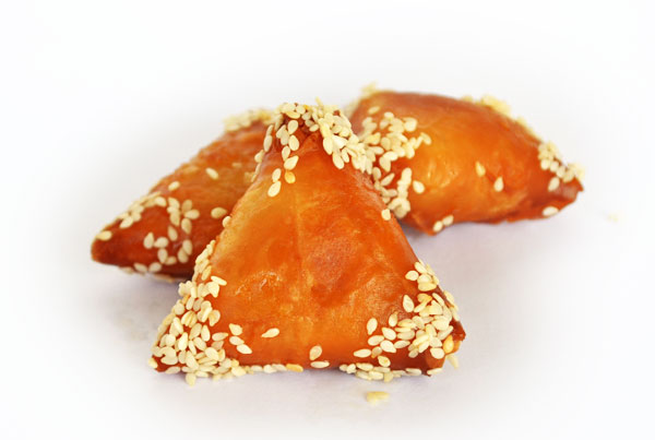 Almond honey Briouates